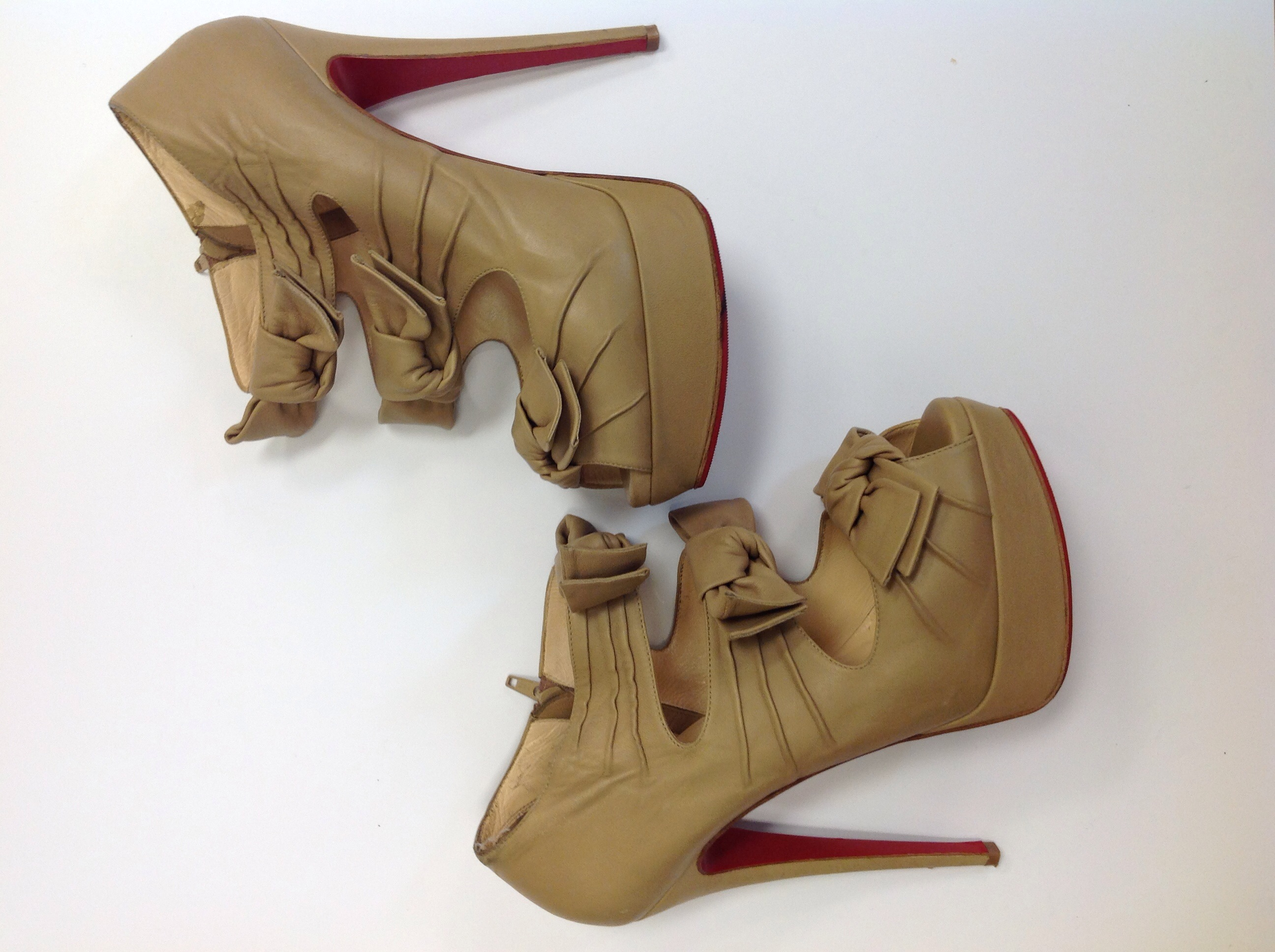 real louboutin outlet nederland | 2016 Christian Louboutin Outlet