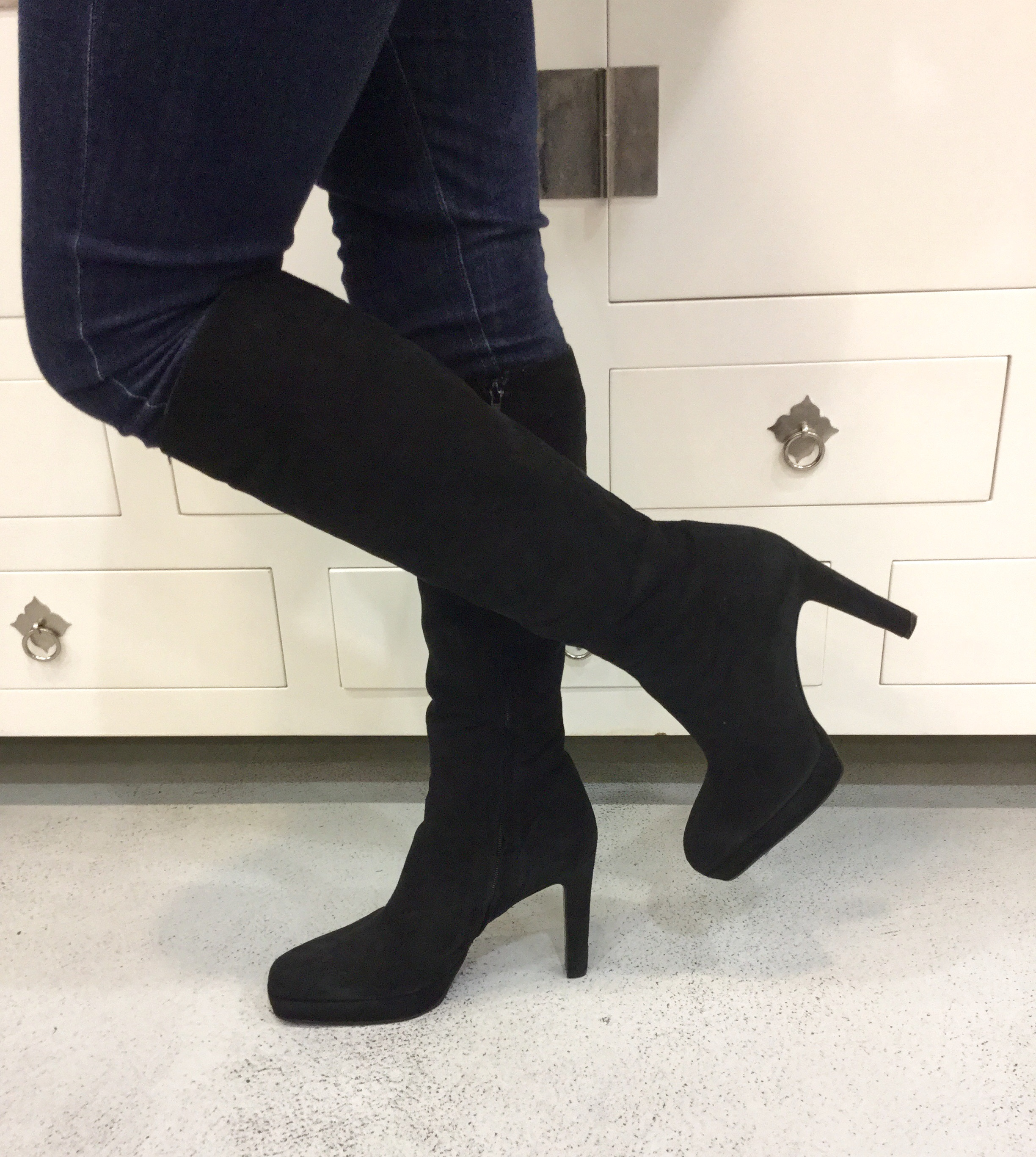 abcebcbdd77 zPre-Owned Gucci Black Suede Tall Boots